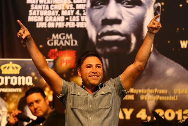 "MMA Crossfire – UPDATED – Mario Lopez interviews ""The Golden Boy"" Oscar De La Hoya one-on-one"